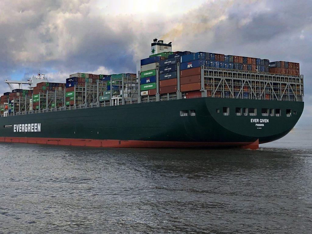 Containerschiff Suez